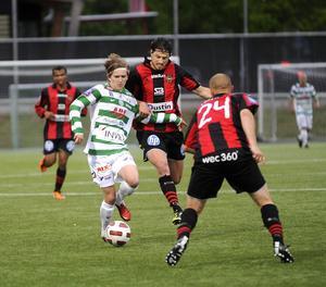 Kan VSK rubba BP – igen? Andreas Östlings Grönvitt vann första mötet lagen emellan med 1–0 hemma på Swedbank Park. I kväll måste laget ta en ny trepoängare. FOTO: ALF PERGEMAN/ARKIV