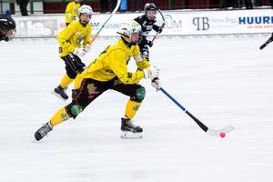 Brobergs U18 besegrade Sandviken med 15-3 i den sista utomhusmatchen någonsin på Hällåsen.