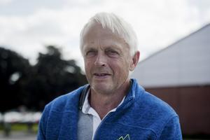 Östen Hermansson, 69 år, pensionär, Fagersta: – Boken om Zlatan, jag läser den just nu.