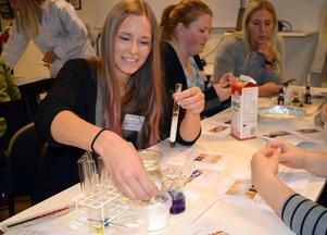 Rebecca Andersson, förskollärare på Mats Knuts förskola, gillade experimenten på Science night.