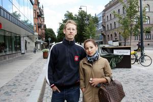 Daniel Wallenberg och Ann Sirirpoolsing, Öster: – Vår dotter går i ettan på Källöskolan och det fungerar jättebra. Vi har inte märkt att det är några problem.