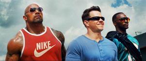 Mark Wahlberg, Dwayne Johnson och Anthony Mackie i actionkomedin