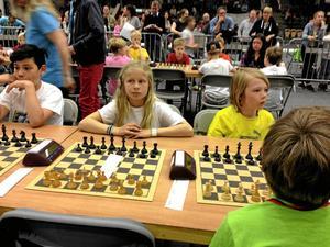 Tävlingsnerver. Johanna Hundermark från Ås skola var koncentrerad när hon var med i helgen och tävlade för klassen.Läsarbild