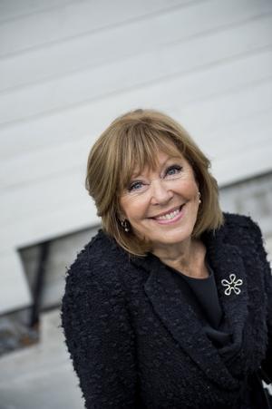 Lill Lindfors är en av deltagarna i