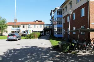 I Gyllengården i Edsbyn finns både växelvårdsplatser ( två stycken) och korttidsplatser (ett 10-tal). Korttidsplatserna är för dem som till exempel har vårdats på sjukhus och har stora omvårdnadsbehov eller som väntar på att få plats på ett särskilt boende, gruppboende.