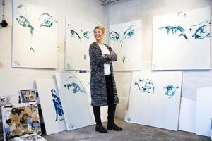 Konstnären Nina Wennström, Nyhammar, finns bland dem som har sökt kommunens arbetsstipendium på 25 000 kronor.
