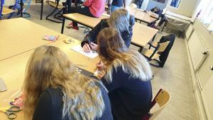 Under tisdagen den 26 april fick eleverna från årskurs 6 till årskurs 9 på Ede skola i Delsbo vara med på en dag full av olika aktiviteter som hade både med tobak att göra men även andra relaterade teman som grupptryck, normer och även lite teknik.