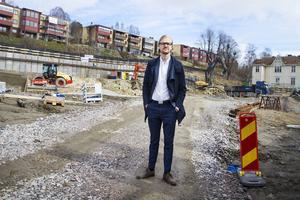 Försäljningen har gått bra på lägenheterna i de blivande bostadshusen Solgläntan, Fredrik Karström är mäklaren som är ansvarig