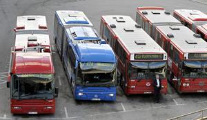 Rasist eller kommunist? Så länge busschauffören utför sina arbetsuppgifter spelar det ingen roll.