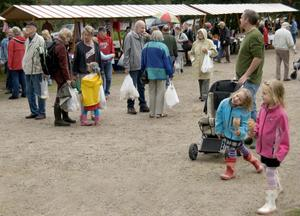 Långheds marknad lockade många besökare.