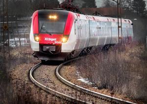 Till exempel investerar vi under 2016 i att utrusta X-tågen med wifi, skriver fyra debattörer från Hållbarhetsnämnden i Region Gävleborg.