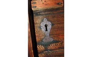 Detalj från en av lofthärbrets dörrar. Foto: Kent Olsson/DT