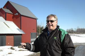 Årets lantbruksföretagare. Entreprenörsanda och en vilja att tjäna pengar är det viktigaste för framtidens bönder. Det går inte att gå hemma på ladugårdsbacken och gnälla, menar spannmålsodlaren Micael Blomberg.
