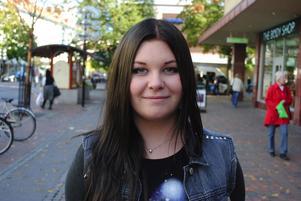 Emelie Sandström, 17 år, Soltorgsgymnasiet:– Tyskland, eftersom jag vill bli bättre på språket som jag pluggat tidigare.