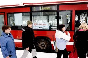 TILLFÄLLIG LÖSNING. I mitten av april ska bussarna avgå som vanligt igen. Då ska trafiksignalerna inne i centrum ge förtur åt bussarna. Linje två har drabbats av ständiga förseningar i vinter.
