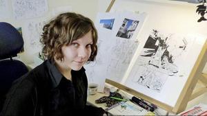 – På Serietecknarskolan i Hofors träffade jag alla mina vänner och kollegor. Kände på en gång att nu har jag  kommit hem, säger serietecknaren Lisa Medin, uppvuxen i Östersund, men numera boende i Stockholm.