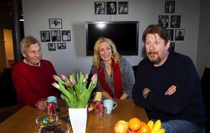 John O Olsson, regissör, manusförfattare, fotograf och producent, och hans huvudkaraktärer i den kommande långfilmen