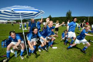 Slutsignal och segerjubel när Matfors flickor 12 vinner Lilla VM för tredje året i rad.