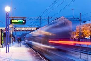 Det nya avtalet för Ostlänken skrevs på av kommunstyrelsens ordförande Boel Godner under måndagen.