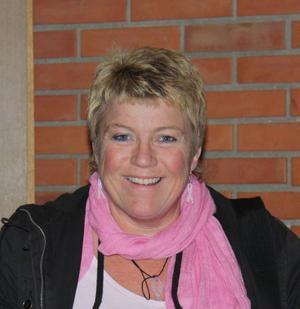 Ulla Jonsson driver Ullavillekullahjälpen som samlar in pengar till Bröstcancerfonden och regionala Emmaföreningen.