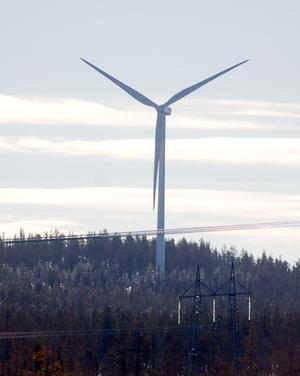 Få åhörare kom till informationsträffen i Svegs Folkets hus där man bland annat fick veta att vindkraftverken kommer att bli 180 meter höga och placeras på höjder mellan 550 och 650 meter.