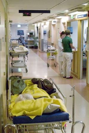 4 miljoner för två dagar. I dag kostar sjukhusstädningen i Gävleborg ungefär 40 miljoner kronor per år. En utökning med två dagar i veckan skulle gå på ytterligare  4 miljoner kronor årligen.Foto: ERIK G SVENSSON