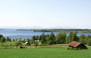 Om visionerna blir verklighet kan det på 2020-talet ligga ett attraktivt område med flerfamiljshus mellan järnvägen och småbåtshamnen i Täng i Ås.