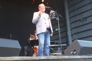 Lars T Johansson, nu frontman i Någonstans i Sverige.
