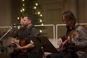 Trion Henrik Engblom, Anders Toresson och Daniel Hogdin satt hela kyrkan i gungning med sin egenskrivna låt Tomorrow.
