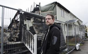 Erik Steffen utanför vad som finns kvar av hans tidigare hem i Vallhov.