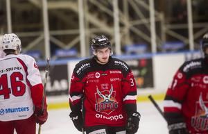 Marcus Åkerlund stannar i HHC i ytterligare två år.