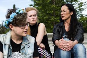 Med manifestationen vill Axel Ståhlnacke, Cecilia och Gunnel Norberg inte bara hedra offren i Orlando, utan också lyfta hbtq-personer i hela världen.