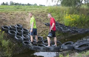 Redo för Tough race. Arrangörerna Anton Trotzig och Henrik Josefsson fick en idé och genomförde den. På lördag ska 400 löpare springa deras utmanande lopp i Dalsjö.