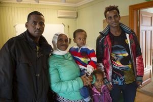 Redan dagen efter det att familjen Girmuy anlände till sitt nya hemland började de läsa preparandkursen.