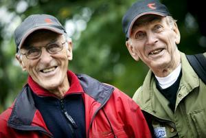 Veteraner på leden. Både Enar Samuelsson från OK Djerf i Karlskoga och Gösta Ahremalm, Svenska turistföreningen, har varit med länge längs leden. Gösta är äldst, 86 år ung.