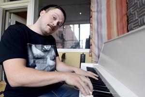 Emil Rolf Öhlén höll nerverna under kontroll och är klar för tisdagens solosång.