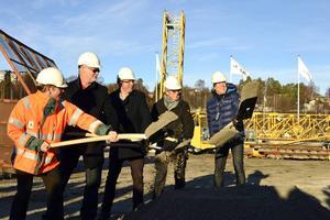 Spadtag för det första privata bygget på Norra kajen.