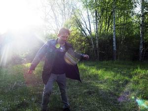 Är det något mystiskt med skogspartiet vid Avan? Martin Pareto utforskar platsen där
