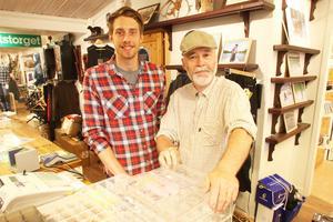 Andreas och Gunnar Ekberg har sålt hyfsat av det gemensamma fiskekortet som gäller i veckan, men tycker att det varit skral uppslutning på veckans olika fiskeaktiviteter.