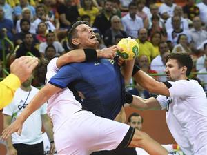 Kim Andersson och Sverige åkte på en tung förlust mot Tyskland i OS-premiären.