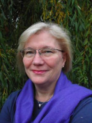 Karin Stenzelius, med rötter i Kovland, är nybliven doktor i omvårdnad med inkontinens som sitt forskningsområde.