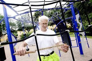 Måttliga risker. Det är viktigt att måtten på lekredskapen är rätt så att inte lekande barn råkar illa ut.