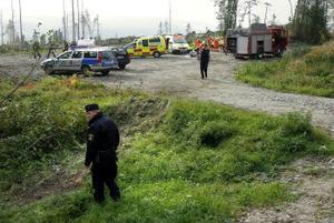 Tre personer skadades vid en singelolycka i höjd med Nedansjö i går eftermiddag. En kvinna i 60-årsåldern har livshotande skador och vårdas på intensivvårdsavdelningen.