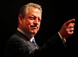 Klimataktivisten Al Gore från USA pekar på hur Montrealavtalet mot freonutsläpp hade alltför blygsamma mål till en början. Men de skärptes snabbt. Ett Köpenhamnsavtal som  innebär något liknande är kanske det bästa vi kan hoppas på.    Foto: Kamran Jebreili/Scanpix