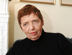 Gitta Sereny (1921–2012),  österrikisk-brittisk författare, journalist och historiker, är mest känd för sina undersökande verk om Nazityskland.