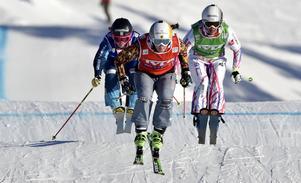 Damfinalen, Marielle Thompson Kanada, vinner före Sandra Näslunds som smiter förbi fransyskan Alizee Baron strax före mållinjen.