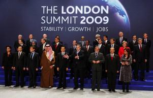 G20-ländernas ledare möttes i London och kom överens om ett historiskt stort räddningspaket för en världsekonomi i sank. Sverige kommer också få vara med och betala, troligtvis kring 25 miljarder kronor.
