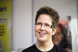 Mörkerseendet försämras med åldern, säger optiker Viktoria Edlund.