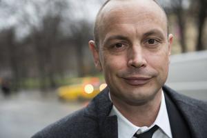 Rapparen Petter Askergren kommer att leda Grammisgalan.