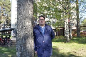 Christian Johansson vill inte bara ha Facebookgruppen för öka tryggheten för Sätraborna, han hoppas också att människor från olika kulturer ska mötas.